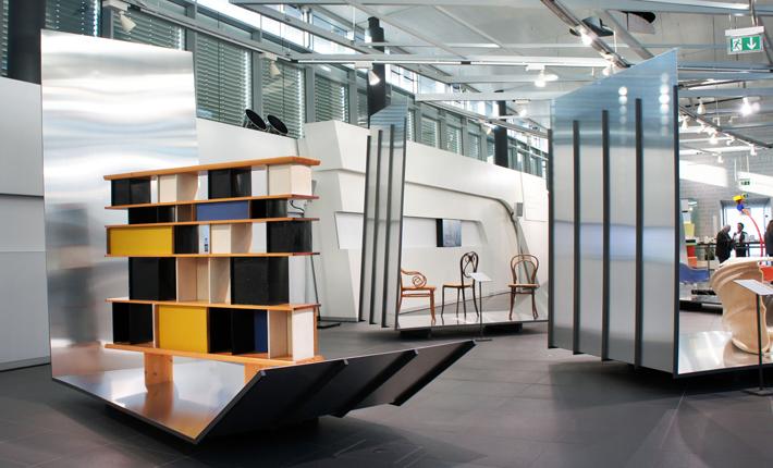 design ikonen pinakothek der moderne zu gast bei audi plot. Black Bedroom Furniture Sets. Home Design Ideas